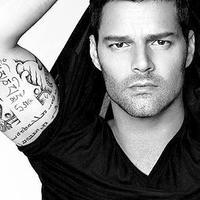 Ricky Martin - The Cup of Life (La Copa De La Vida)  リッキー・マーティン「カップ・オブ・ライフ」